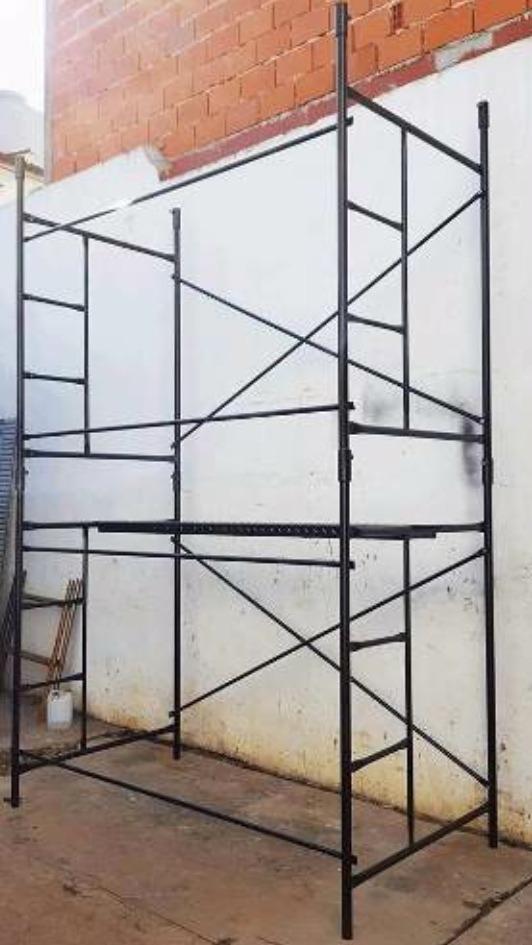 Alquiler de andamios, trompos y escaleras cel.: 011 6369 1782