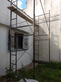 Alquiler de andamios, trompos y escaleras. cel.: 11 6369 1782